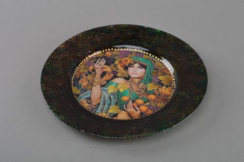 Handmade stylish designer decorative decoupage glass round plate India - MADEheart.com