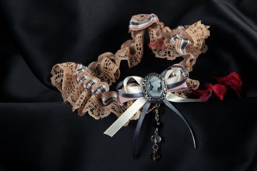 Vintage garter for the bride - MADEheart.com
