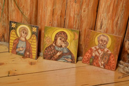 Set of 3 handmade ceramic facing tile painted with engobe with images of saints  - MADEheart.com