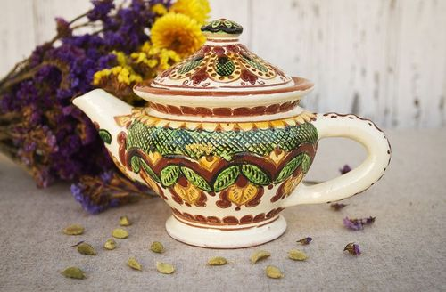 Decorative clay teapot - MADEheart.com