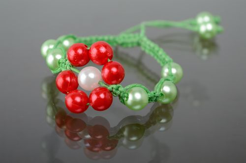 Woven macrame bracelet with ceramic beads - MADEheart.com