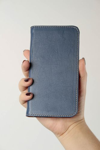 Beautiful handmade phone case leather goods designer gadget accessories - MADEheart.com