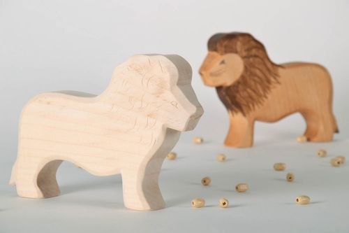Wooden toy Lion - MADEheart.com