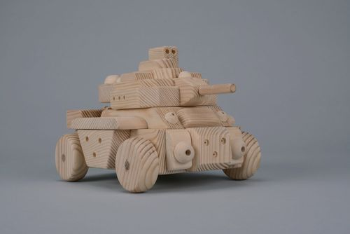 Tank, carved out of wood by hand - MADEheart.com