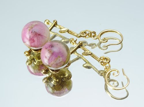 Golden earrings made from buds of the roses - MADEheart.com