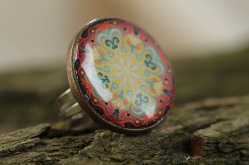 Stylish large handmade glass glaze round ring with drawing - MADEheart.com