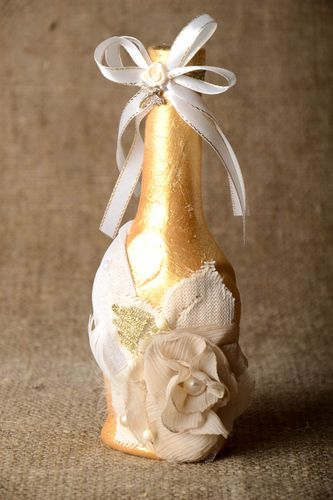 8 inches tall ceramic bottle vase for wedding décor in gold color 0,7 lb - MADEheart.com