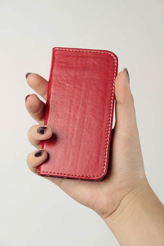 Red handmade leather phone case fashion accessories for girls small gifts - MADEheart.com
