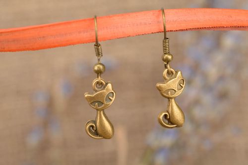Metal handmade earrings stylish designer accessories beautiful jewelry - MADEheart.com
