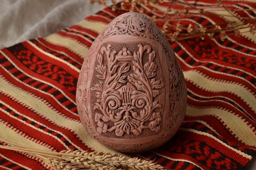 Ceramic Easter egg with molded elements - MADEheart.com