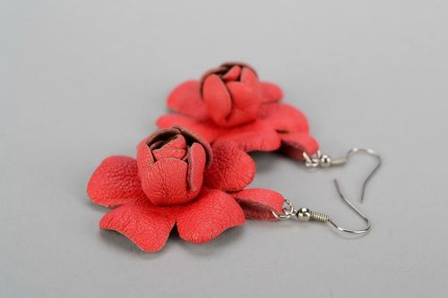 Leather earrings in the form of a flower - MADEheart.com