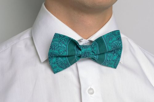 Handmade bow tie of emerald color - MADEheart.com