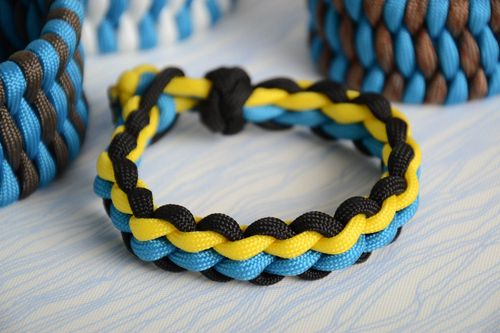 Braided handmade bracelet made of paracord beautiful stylish unisex accessory - MADEheart.com