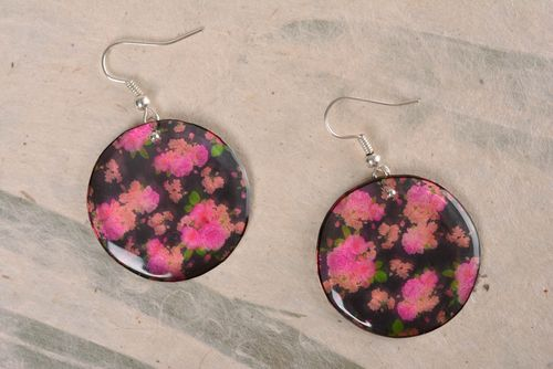Handmade flower earrings made of epoxy resin with print with decoupage   - MADEheart.com