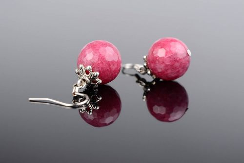 Ball earrings with a young ruby - MADEheart.com