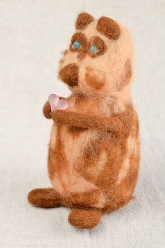 Handcrafted toy felt toy animal toy animal figurine for home decoration - MADEheart.com