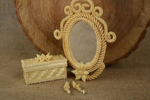 Straw mirror with a holder - MADEheart.com