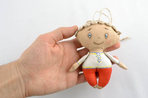 Soft interior pendant toy with vanilla aroma Boy - MADEheart.com