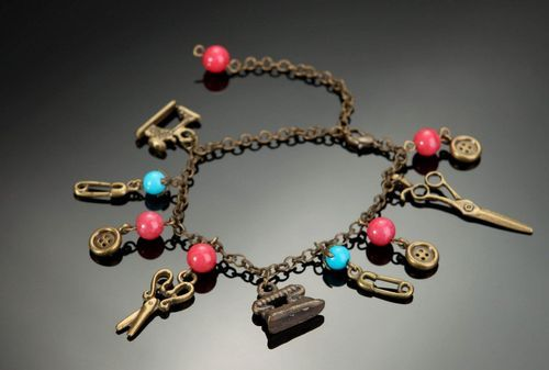 Bronze bracelet with coral and turquoise - MADEheart.com