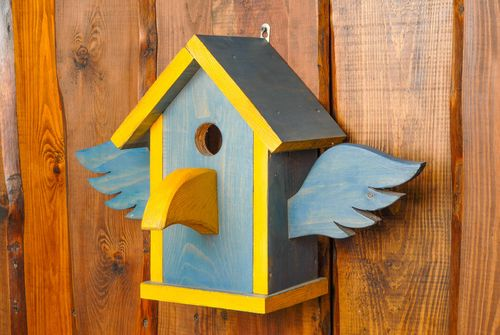 Wooden birdhouse painted with facade dyes - MADEheart.com