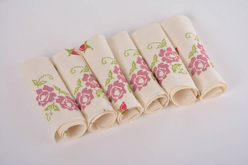 Set of 6 cotton designer table dinner napkins with handmade embroidery flowers - MADEheart.com