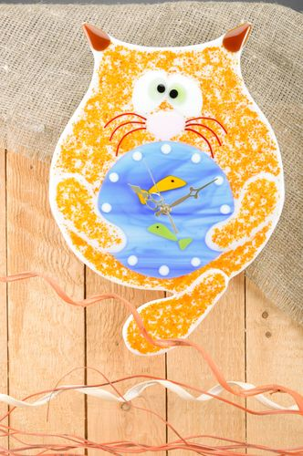 Funny handmade fused glass wall clock in the shape of fat cat for childs room - MADEheart.com