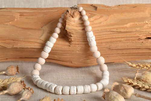 Ceramic necklace in ethnic style - MADEheart.com