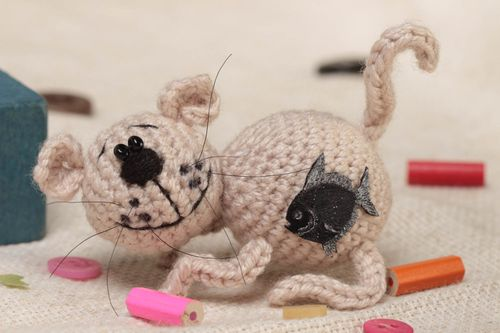 Unusual beautiful handmade crocheted soft toy Cat with Fish - MADEheart.com