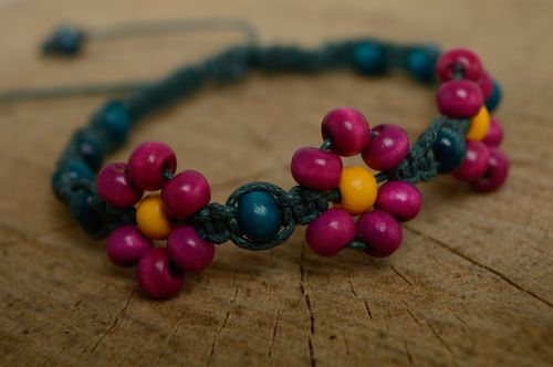 Bright woven macrame bracelet with beads - MADEheart.com