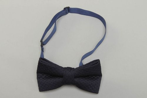 Dark blue cotton fabric bow tie - MADEheart.com