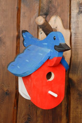 Painted wooden bird feeder - MADEheart.com