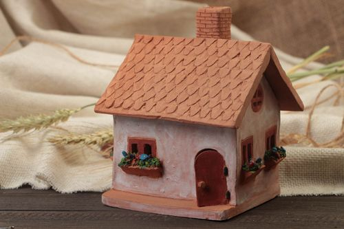 Clay oil burner in the form of small house with a beautiful painting hand made  - MADEheart.com