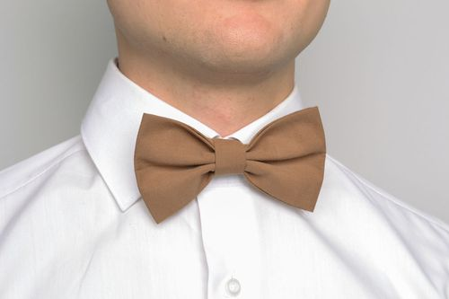Brown bow tie - MADEheart.com