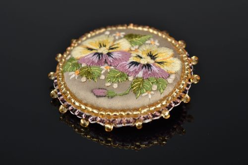 Handmade embroidered brooch Pansies - MADEheart.com