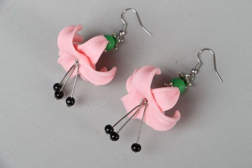 Polymer clay flower earrings - MADEheart.com