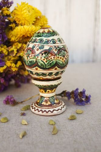 Ceramic Easter egg with a stand - MADEheart.com