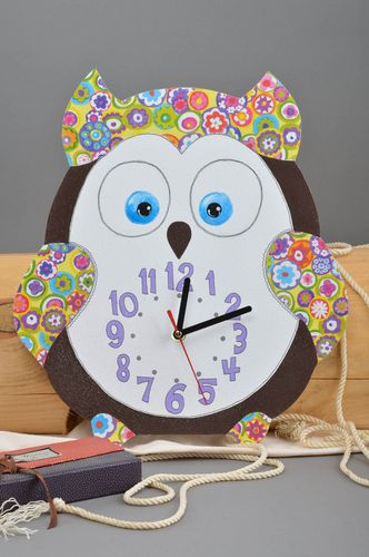 Beautiful handmade plywood wall clock decoupage ideas cool bedrooms design - MADEheart.com