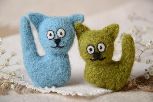 Handmade soft fridge magnets unusual woolen decor cute toy magnets 2 pieces - MADEheart.com