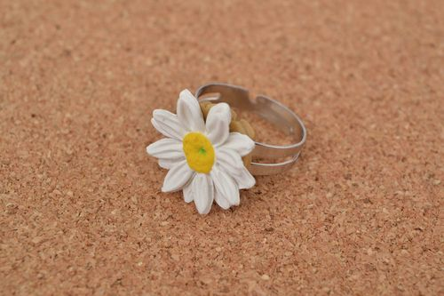 Beautiful small handmade designer polymer clay flower ring Camomile - MADEheart.com