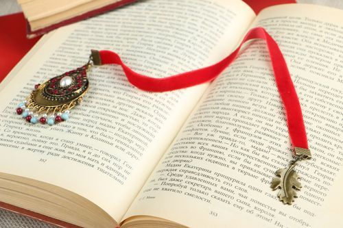 Bookmark with a red ribbon - MADEheart.com