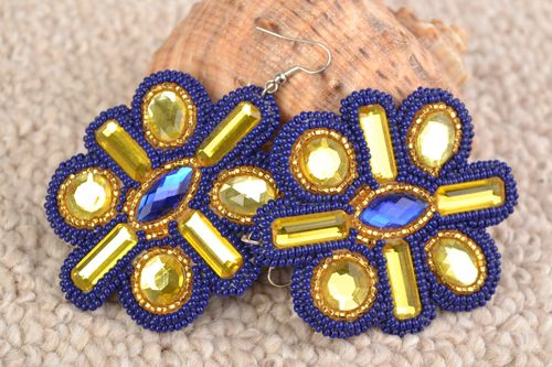 Handmade bright beaded blue and golden floral earrings with cabochons - MADEheart.com