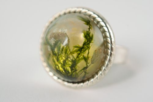 Round handmade ring with real plants coated with epoxy Moss and Yarrow - MADEheart.com