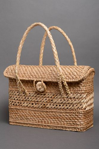 Beautiful woven basket purse - MADEheart.com