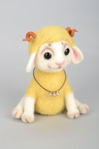 Yellow lamb design soft toy - MADEheart.com
