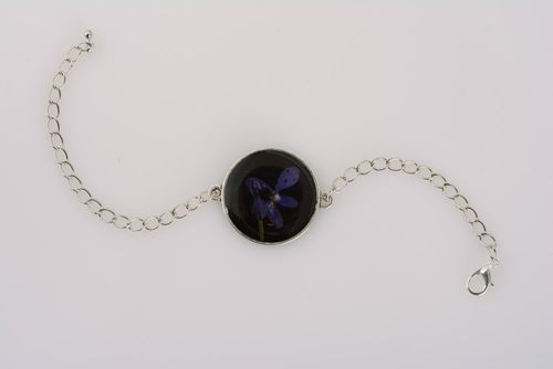 Handmade womens wrist bracelet with metal chain and dark flower in epoxy resin - MADEheart.com