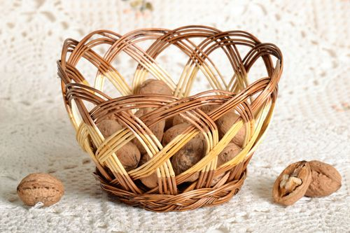 Woven basket for candies - MADEheart.com