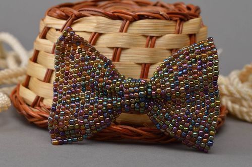 Fancy stylish handmade multicolor beaded brooch in the form of a bow - MADEheart.com
