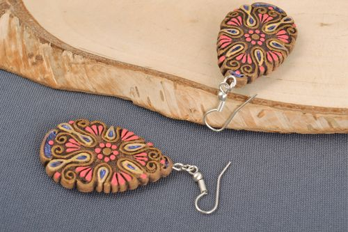 Handmade clay drop earrings painted with acrylics for women - MADEheart.com