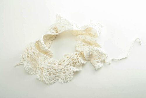 Fashionable white lacy collar - MADEheart.com