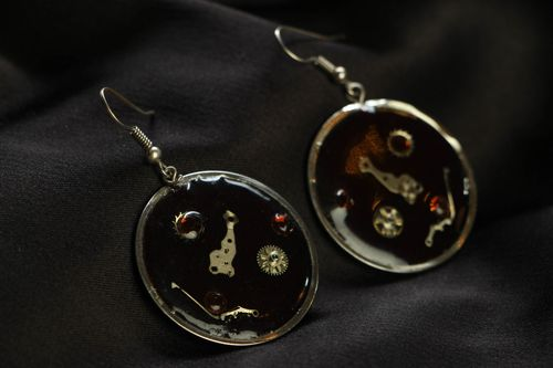 Steampunk metal earrings with clock mechanisms - MADEheart.com